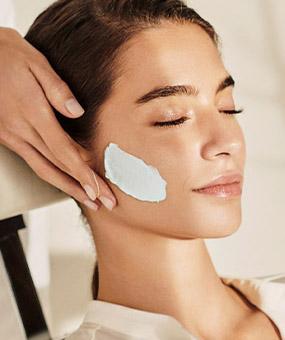 Bye Dry Skin Facial