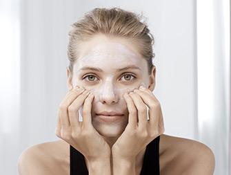 如何使用煥顏緊緻舒緩面膜